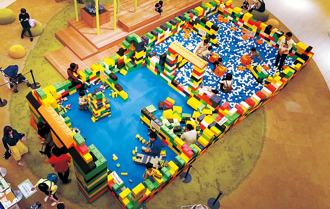 ビルディングブロックと ふわふわキャンディランドで遊ぼう!