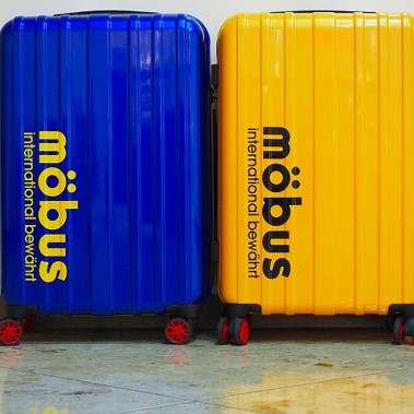 3~4泊スーツケース続々入荷中!