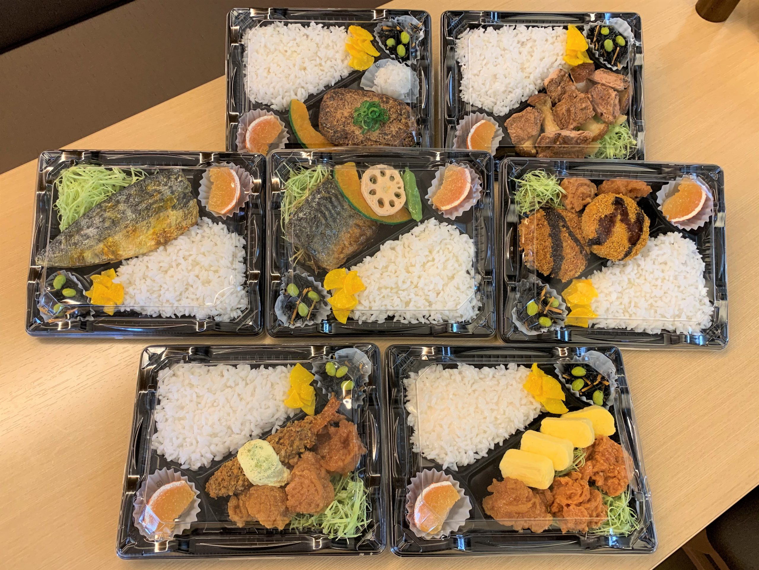 【好評!】税込600円弁当、特製弁当、テイクアウトメニュー