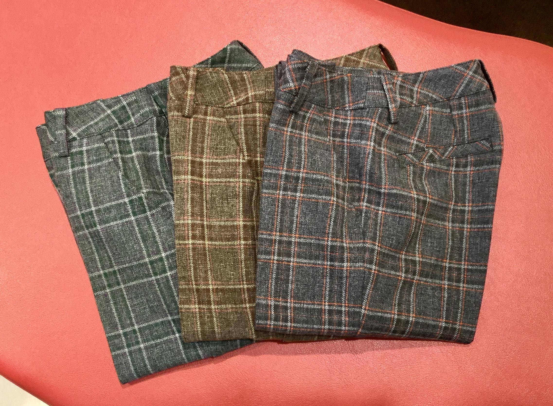 彩りの秋 洗練のチェック柄パンツ